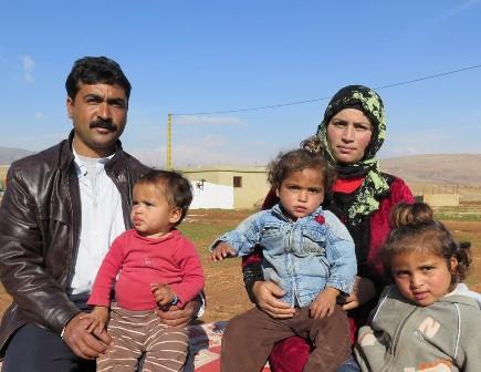 Teulu o Syria - Syrian family